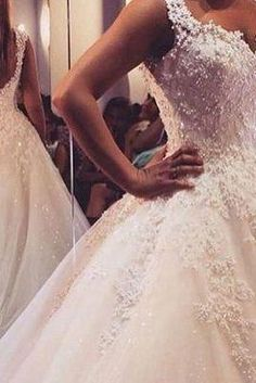 2017 Custom made White Lace Wedding Dress, pearl long wedding dress,ball gown,formal dress