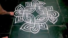 HOW TO DRAW A PADI KOLAM Rangoli Borders, Rangoli Border Designs, Kolam Rangoli, Flower Rangoli, Beautiful Rangoli Designs, Kolam Designs, Mehandi Designs, Padi Kolam, Nursery Stickers