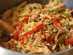 Arroz con Pollo - AntojandoAndo Deli Food, Colombian Food, Puerto Rican Recipes, Comida Latina, Clean Eating, Lunch, Chicken, Healthy, Ethnic Recipes