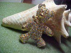 VINTAGE RHINESTONE TEDDY BEAR BROOCH PIN GOLDTONE SETTING VERY CUTE SIGNED DT #DT
