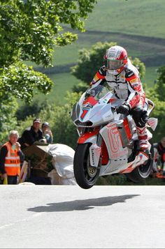 Michael Rutter, first man to average 100 mph lap at the Isle of Man on an electric bike, 2012