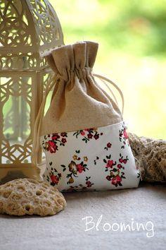 Μπομπονιερες πουγκι φλοραλ   Blooming Burlap, Reusable Tote Bags, Nice, Hessian Fabric, Canvas