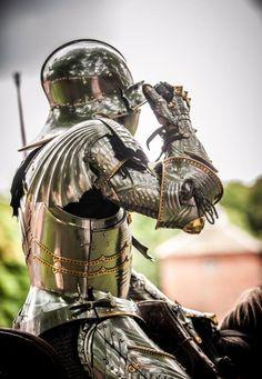 "ritasv: "" 'Mark Caple' courtesy of Stephen Moss/Photosm. Medieval World, Medieval Knight, Medieval Armor, Medieval Fantasy, Armadura Medieval, Templer, Sword Fight, Knight Art, Knight In Shining Armor"