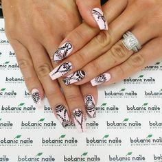 Pale Pink with Black Design Pink Black Nails, Pink Nail Art, Botanic Nails, Mandala Nails, Exotic Nails, Modern Nails, Easter Nails, Nail Manicure, All Things Beauty