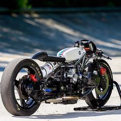 Seen by Eighth mile drag bikes don't get much more serious than this - or much lower. Here's Germany's with their gassed up and stretched out BMW sprint racer for the Bmw Cafe Racer, Moto Cafe, Cafe Bike, Drag Bike, Moto Drag, Retro Bikes, Concept Motorcycles, Cool Motorcycles, Bobber Custom