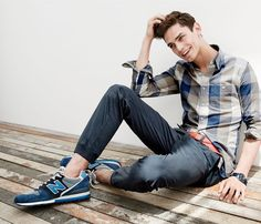 AUG '15 Style Guide: J.Crew men's jaspé cotton shirt in heather twig gingham, jogger pant in lightweight chino, braided cotton belt and New Balance® for J.Crew 996 sneakers.