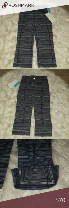 Bwt! Gather crop & crow crops Lululemon crops! Brand new! Final price! lululemon athletica Pants Capris