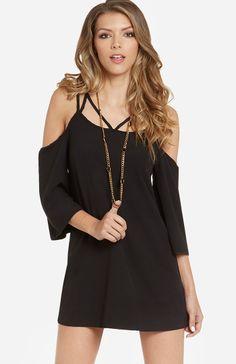 DailyLook: Bare Shoulder Shift Dress