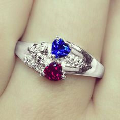 The Heart Cluster Promise Ring is a stunning way to symbolize a special connection between you and your loved ones. Perfect for couples, mothers, families and friends. Personalize your very own ring in silver or gold with your choice of gemstones and personalized engraving.