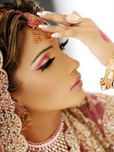 indian pink eye makeup design Indian Eye Makeup Looks