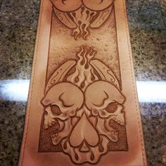 Gonna tap up some billfolds and bikers between customer drying times. Billfold number one......double luck. #leathershop #leatherwork #leathersmith #billfolds #bikerwallet #customleatherwork #tooledwallet #tooledleather #billycornercustomleather #riverside #california