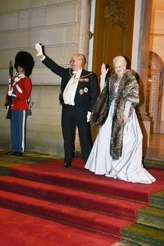 1/1/16.   Royaltyspeaking ‏@Royal_talk  4m4 minutes ago Danish royals arrive at the annual New Years Banquet at Amalienborg Palace