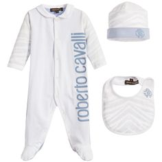 Boys soft cotton jersey babygrow, hat and bib set by<span>Roberto Cavalli. The babygrow is white with a printed designer name on the front, blue on the back and blue animal print sleeves. It fastens with poppers down the front and between the legs. With a double layer of jersey the animal print hat has a blue turn-up and a rubberised logo. The matching bib has atowellingliningand a popper fastener. It would make a lovely gift as it comes in a presentation box.<b...
