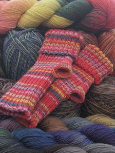 Knitted Sock Patterns On Circular Needles : 1000+ images about Knitting socks on Pinterest Sock, Sock knitting and Yoga...