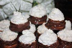 Plnené kokosky - Výborné, efektné kokosky, mali veľký úspech. Oreo Cupcakes, Cupcake Cakes, Fancy Cakes, Christmas Cookies, Nutella, Cheesecake, Muffin, Food And Drink, Cooking Recipes
