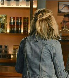 Hanna Marin hairstyle in Pretty Little Liars