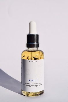 The YALU - Kali Meditation Crystal Perfume Oil is a fine fragrance oil by YALU is perfect for those of you who require a little grounding & the restoration
