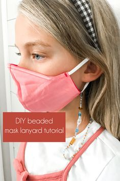 Sick of your kids losing their face mask? Create this DIY beaded mask lanyard that are feminine and colorful. Cool Diy Projects, Fun Projects For Kids, Crafts For Kids, Diy Mask, Diy Face Mask, Lanyard Tutorial, Mask Korean, Boredom Busters For Kids, Mother Daughter Fashion