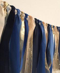 Guirnalda de tela azul y oro marino trapo de la por PenelopeandLala