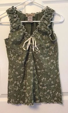 Younique Sleeveless Top Green with Cream Embroidered Flowers Stretch Size L #Younique #TankCami #Casual