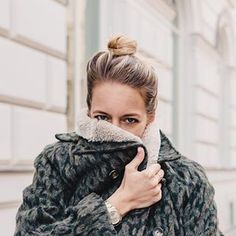 399 Likes, 28 Comments - Lena Top Blogs, Winter Hats, Window, Lifestyle, Instagram, Videos, Womens Fashion, Photos, Kissing Hand