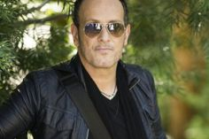 Northern Irish guitarist Vivian Campbell is still rocking out with Def Leppard after 25 years. The guitar virtuoso talks about living the rock dream