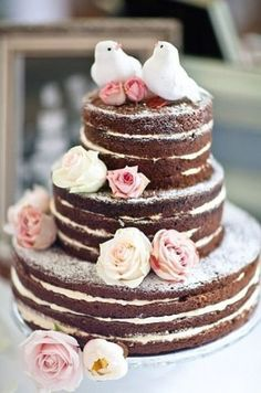 Naked Cake: Icing between layers but not on top - I love this idea!