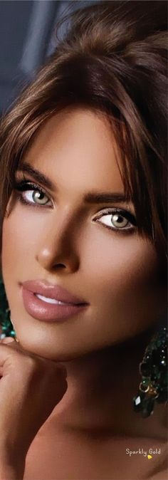 Most Beautiful Eyes, Lovely Eyes, Stunning Eyes, Beautiful Women Pictures, Gorgeous Women, Girl Face, Woman Face, Belle Silhouette, Actrices Hollywood