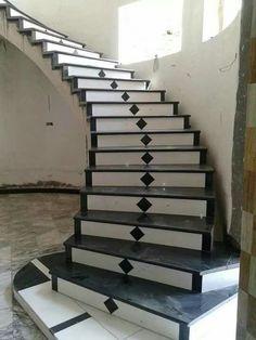 Stairs Tiles Design, Staircase Railing Design, Home Stairs Design, Duplex House Design, House Design Photos, House Front Design, Modern Staircase, Door Design, Escalier Art