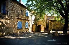 Place du village à Mallefougasse - Alpes de Haute Provence 04
