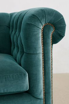 Slide View: 3: Velvet Lyre Chesterfield Grand Sofa, Wilcox
