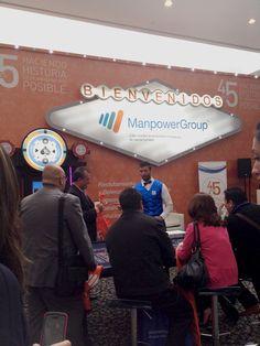 Gran entretenimiento en el stand de ManpowerGroup en AMEDIRH
