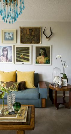 via desire to inspire. very casual mid-century style living room with portrait art My Living Room, Home And Living, Living Spaces, Modern Living, Living Room Inspiration, Home Decor Inspiration, Style Inspiration, Home Interior, Interior And Exterior