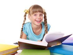 La lettura rende la mente creativa ed è un'attività sempre apprezzata dalle insegnanti ma, per stimolarla in nostro figlio, dobbiamo essere degli esempi