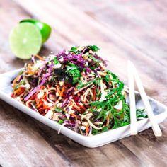 Asiatisk sallad Veggie Recipes, Vegetarian Recipes, Healthy Recipes, Tofu, Simply Recipes, Vegan Dinners, Food Hacks, Love Food, Foodies
