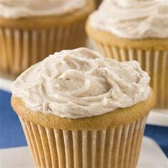 Golden Cinnamon Cupcakes