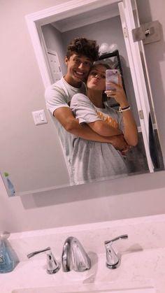 Cute Couples Photos, Cute Couple Pictures, Cute Couples Goals, Freaky Pictures, Cute Boyfriend Pictures, Teen Couples, Cute Couples Kissing, Boyfriend Ideas, Fit Couples