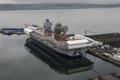 Royal Navy's largest ever warship, HMS Queen Elizabeth, to set sail Type 45 Destroyer, Type 23 Frigate, Hms Prince Of Wales, Hms Queen Elizabeth, Navy Carriers, New Aircraft, Falklands War, Navy Marine, Set Sail