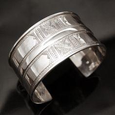 Bijoux Touareg Ethniques Bracelet Manchette en argent Large Gravé TIFAK 10