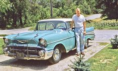 Four Fun Friday Fifties and Sixties Kodachrome Old Car Photos @ http://theoldmotor.com/?p=169328 #classiccars #vintagecars #oldcars #1957Chevrolet #1950scars #1960scars