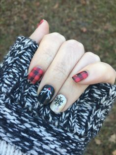 Friday flannel with into the north wrap fridayflanneljn intothenorthjn Jamberry go to Seasonal Nails, Holiday Nails, Christmas Nails, Green Christmas, Fancy Nails, Cute Nails, Pretty Nails, Holiday Nail Designs, Cool Nail Designs