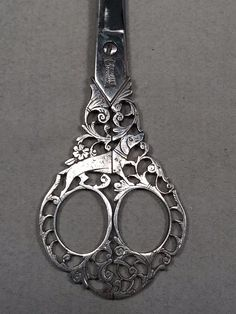 Antique Ornate Steel Filigree Italian HOUND DOG Scissors Terzano Campobasso | eBay Dog & Scissors, Sewing Scissors, Vintage Sewing Notions, Antique Sewing Machines, Embroidery Tools, Embroidery Scissors, Cross Stitch Supplies, Sewing Rooms, Sewing Accessories
