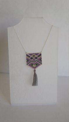 Sautoir, bijou tissé, perles Miyuki, style ethnique, violet, gris, vert, pompon de la boutique izbulle sur Etsy