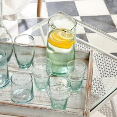 "Verre beldi traditionnel ""Chabi Chic""#vaissellemarocaine Chabi Chic, Moroccan Interiors, Moroccan Design, Decoration, Morocco, Tea Time, Kitchen Dining, Sweet Home, Tableware"