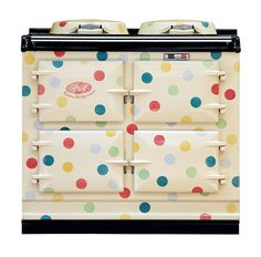 It is a match made in design heaven – Emma Bridgewater Polka Dot AGA Cooker. Emma Bridgewater has made a name for herself with cute retro designs and you Aga Oven, Aga Cooker, Emma Bridgewater Pottery, Weird And Wonderful, Vintage Kitchen, Whimsical Kitchen, Vintage Stove, Retro Stove, Ideal Home