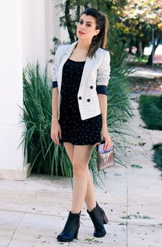 "Looks With Short-Drive Boots "" Check out 15 Amazing Ideas! - Trendy Queen : Leading Magazine for Today's women, Explore daily Fashion, Beauty & Lifestyle Tips Look Fashion, Girl Fashion, Fashion Dresses, Womens Fashion, Fashion Trends, Trendy Outfits, Cool Outfits, E Biker, Look Blazer"