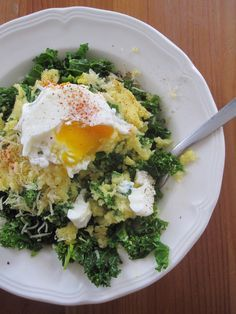 Polenta – kale and poached egg Source by mmenut Healthy Soup Recipes, Veggie Recipes, Cooking Recipes, Healthy Dinners, Vegetarian Menu, Vegan Soup, Detox Vegetable Soup, Cabbage Soup Diet, Dining