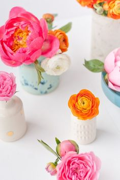 Wedding Flowers The Art of the Mini Arrangement: How to Quickly Arrange Teeny Tiny Bouquets in Vases - Mini flower arrangements made easy - with tips and tricks for creating the perfect mini flower arrangements with a variety of flowers. Bud Vases, Flower Vases, Orchid Flowers, Diy Inspiration, Decoration, Flower Power, Living Room Designs, Floral Arrangements, Beautiful Flowers