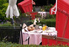 Frühstück für Langschläfer im Garten der Fischerwiege.