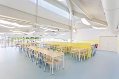 School Canteen In Pontault-Combault - Picture gallery